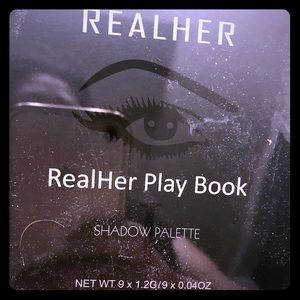 RealHer Playbook pallets NEW